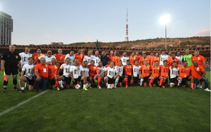 Football legends match took place at the Vazgen Sargsyan Republican Stadium