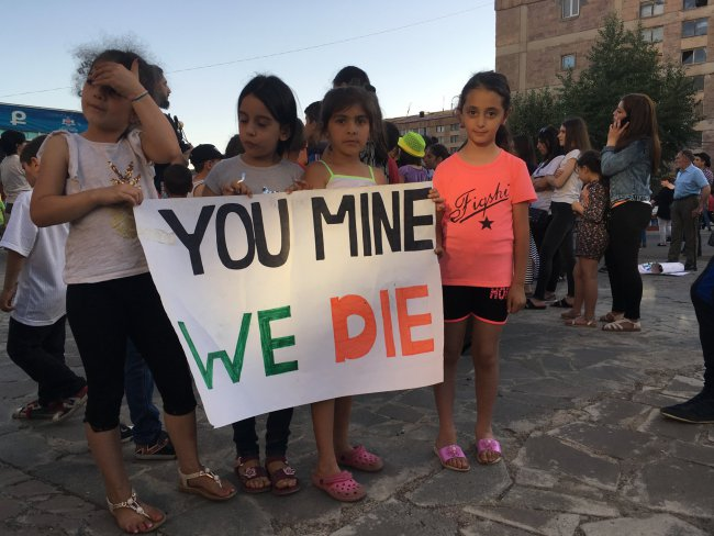 Protesters JERMUK
